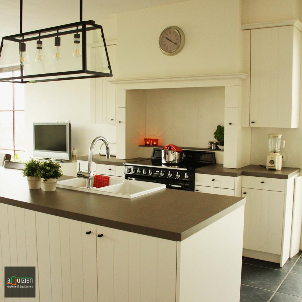 Realisatie een landelijke keuken - Een dressoir keuken ...
